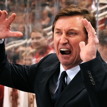Wayne Gretzky has parted ways with the Phoenix Coyotes, stepping down as head coach and director of hockey operations.