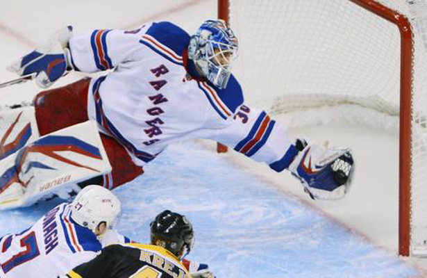Henrik Lundqvist makes incredible diving glove saveHenrik Lundqvist Glove Save