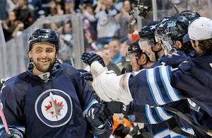 111713-NHL-Jets-Dustin-Byfuglien-CQ-PI-CH.vresize.1200.675.high.57